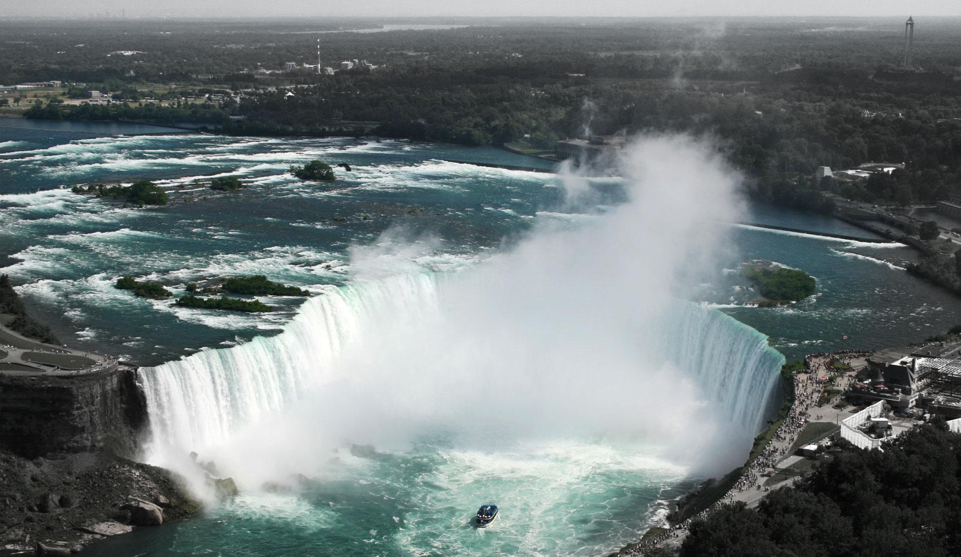 Vittoria Hotel Suites Hotels In Niagara Falls On